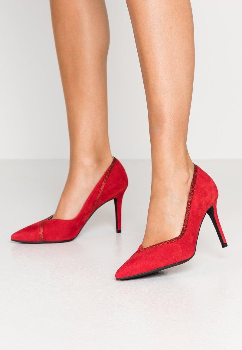 LAB - High heels - madrono