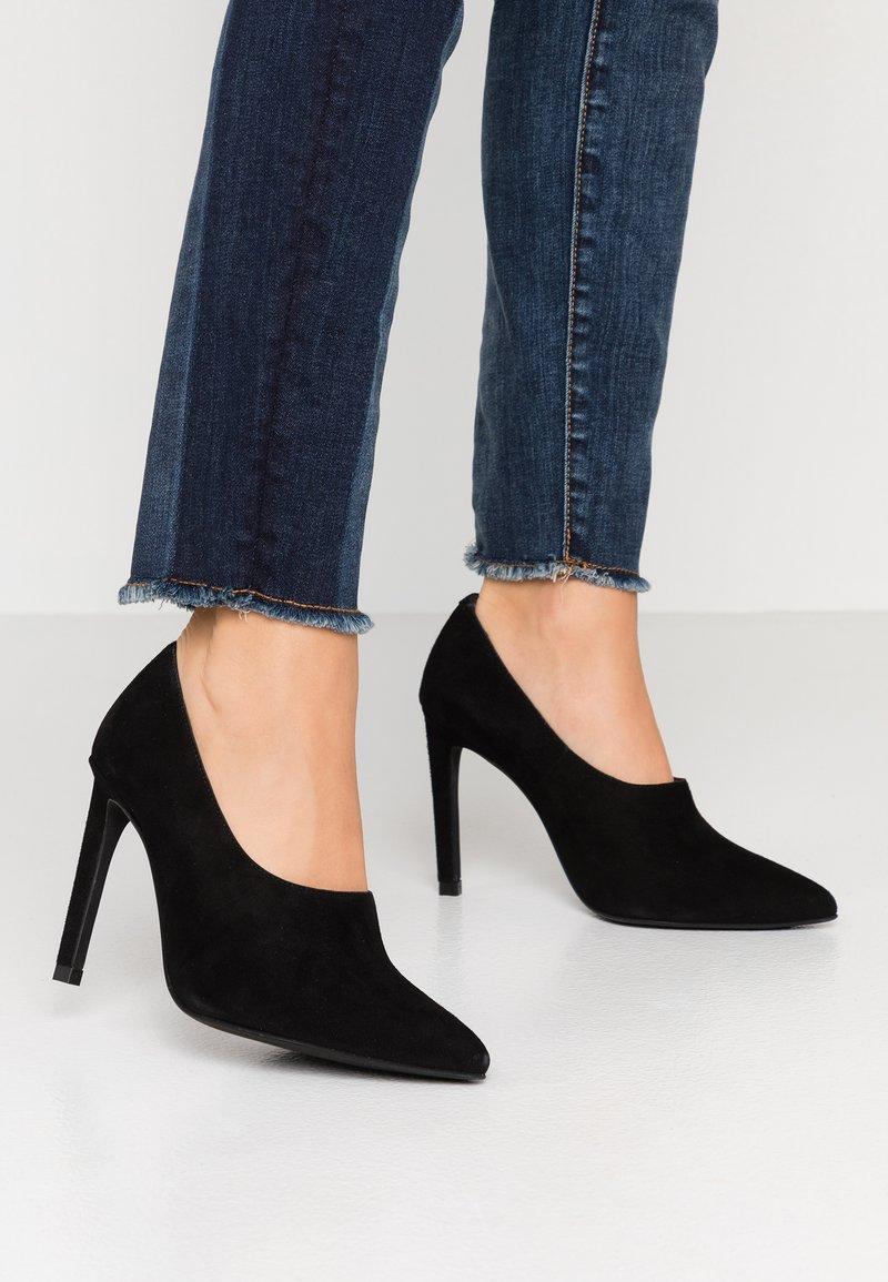 LAB - High heels - black