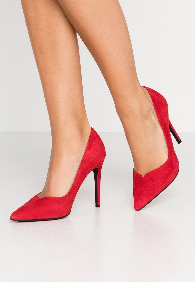 LAB - Zapatos altos - madrono