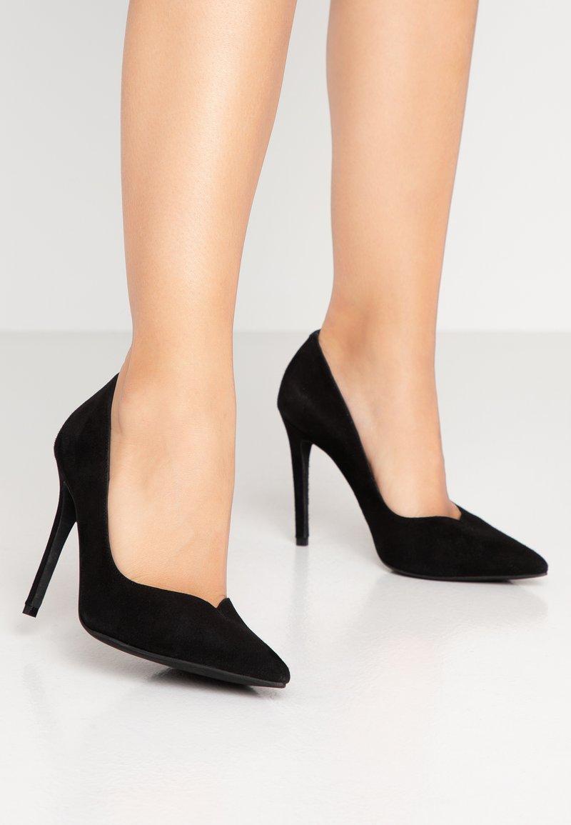 LAB - Lodičky na vysokém podpatku - black