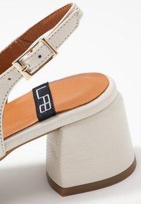 LAB - Classic heels - dream nacre - 2