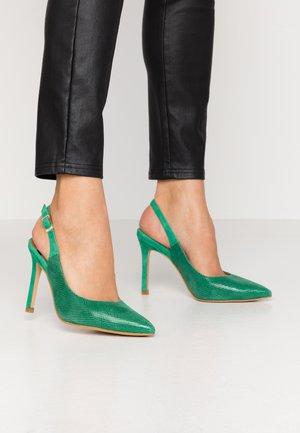 High heels - trebol