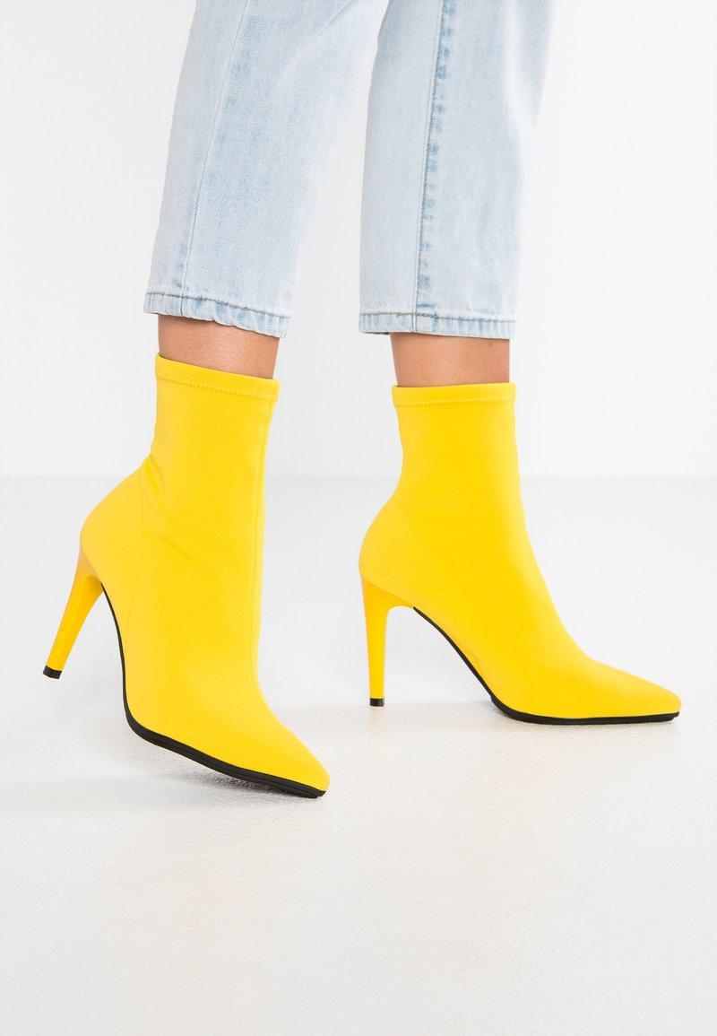 LAB - High Heel Stiefelette - yellow