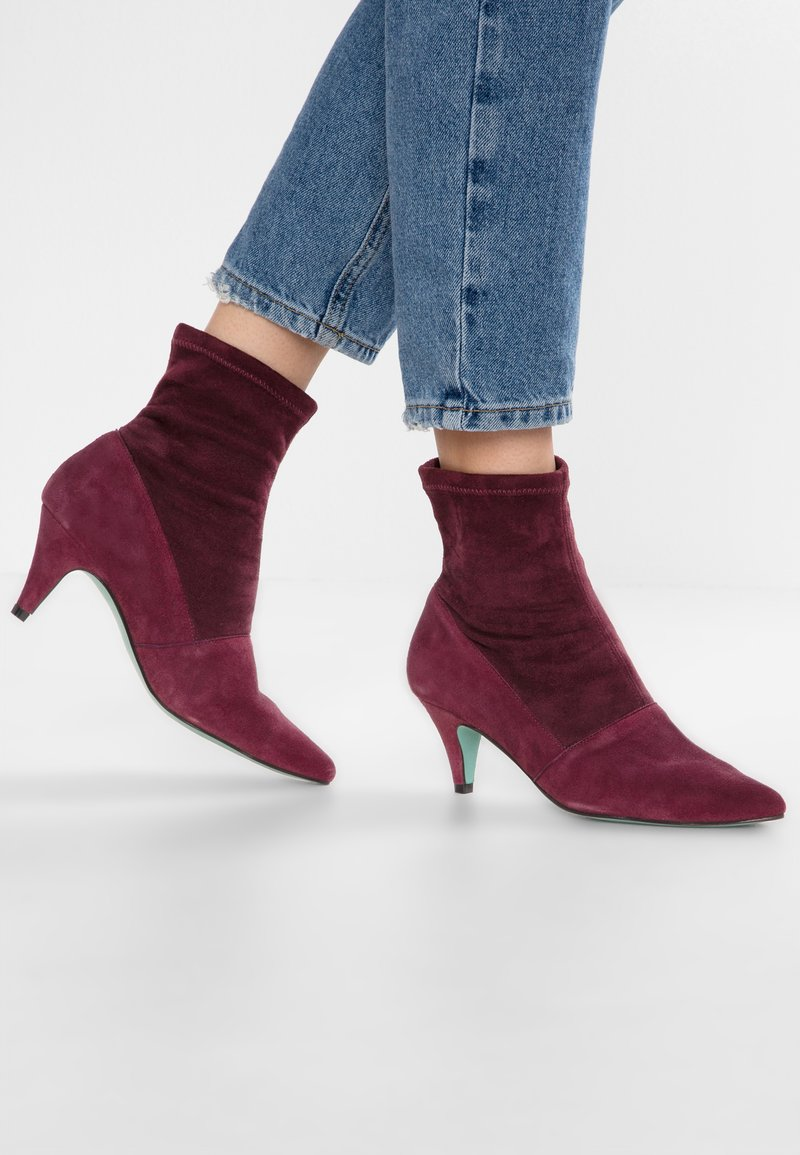 LAB - Classic ankle boots - burdeos