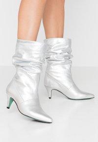 LAB - Boots - galaxy silver - 0