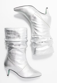 LAB - Boots - galaxy silver - 3