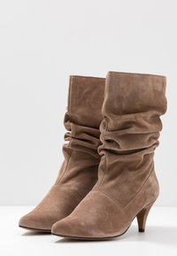 LAB - Boots - taupe - 4