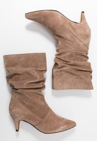 LAB - Boots - taupe - 3
