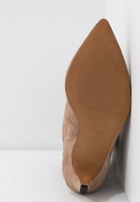 LAB - Boots - taupe - 6