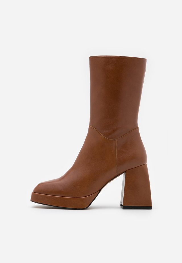 High heeled ankle boots - volga