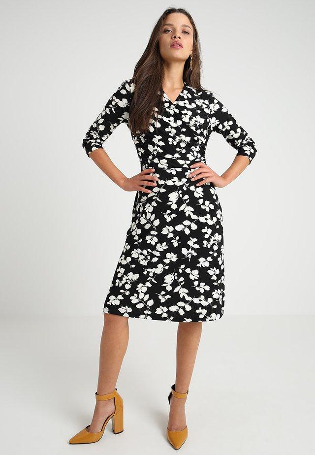 SHADOW LEAVES FINCHLINA - Jerseyklänning - black