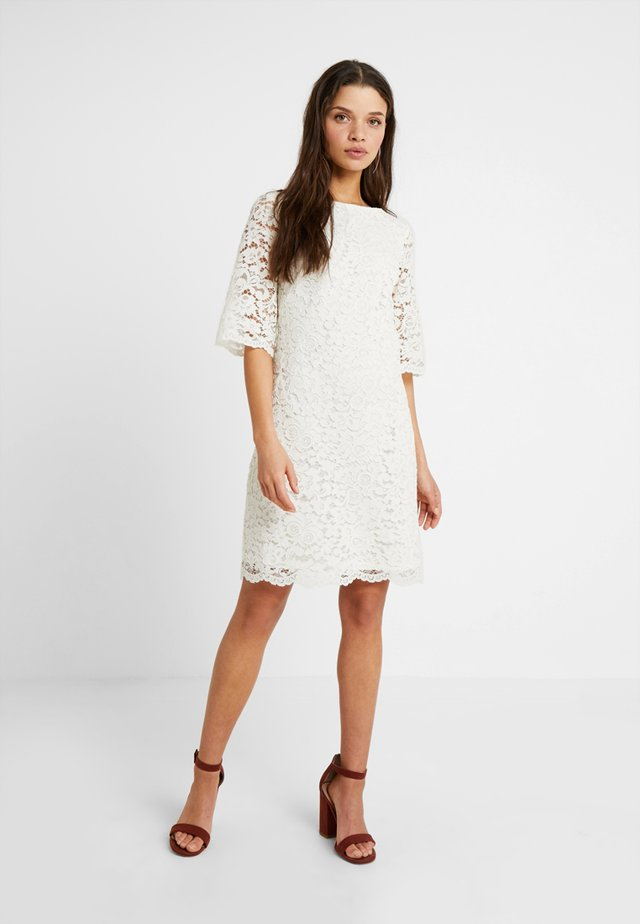 JILLIAS ELBOW SLEEVE DAY DRESS - Sukienka etui - white