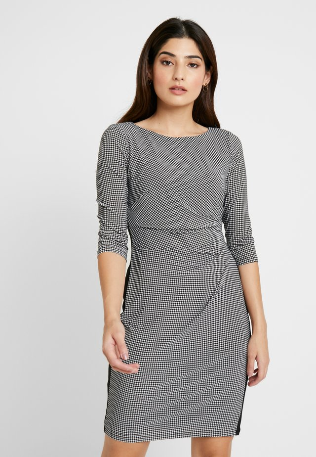 KAROL-LONG SLEEVE-DAY DRESS PETITE - Shift dress - black