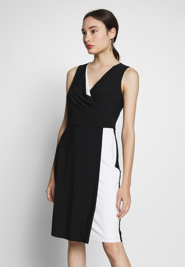 MARIBELLA SLEEVELESS DAY DRESS - Shift dress - black/white