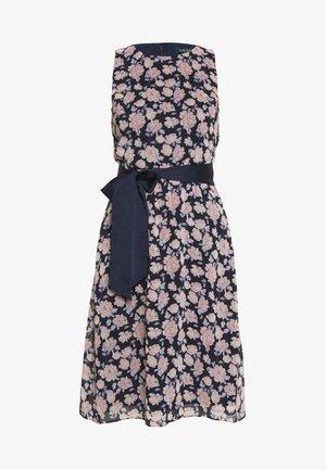 JASPER SLEEVELESS DAY DRESS - Robe d'été - navy/pink/multi