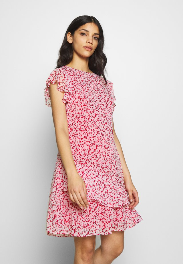 CAP SLEEVE-DAY DRESS - Vapaa-ajan mekko - berry sorbet/col cream