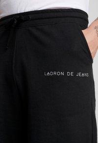 Ladron De Jeans - RAW EDGE - Shorts - black - 4