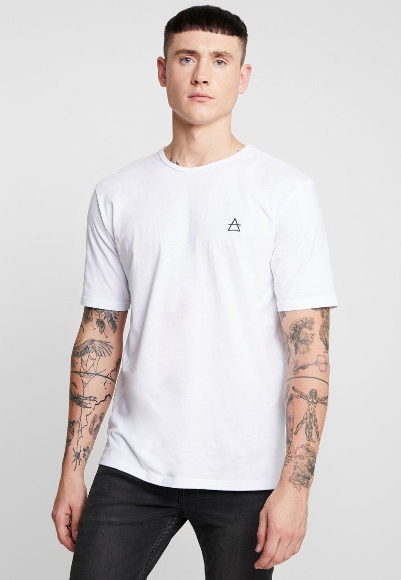 Ladron De Jeans - JAYJAY BACKPRINT OVERSIZE TEE - T-shirts print - white