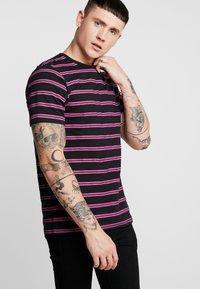 Ladron De Jeans - JAYJAY STRIPE TEE - T-shirt imprimé - black - 0
