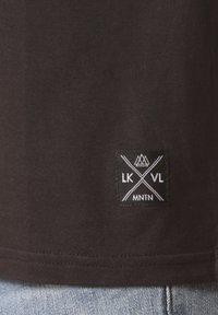Lakeville Mountain - Print T-shirt - black - 2
