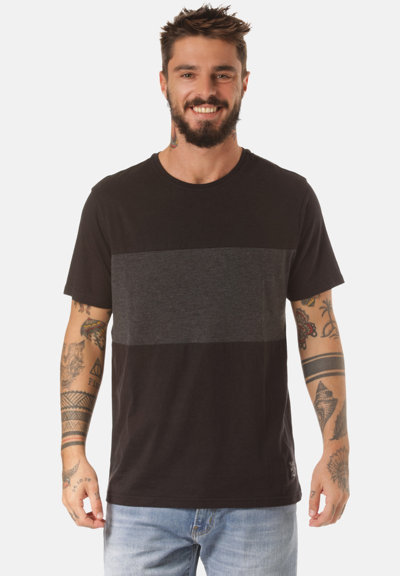 Lakeville Mountain - Print T-shirt - black