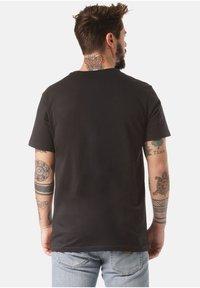 Lakeville Mountain - MOUNTAIN T-SHIRT DEBO - Print T-shirt - black - 1