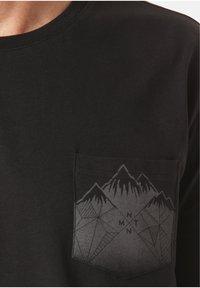 Lakeville Mountain - MOUNTAIN T-SHIRT DEBO - Print T-shirt - black - 2