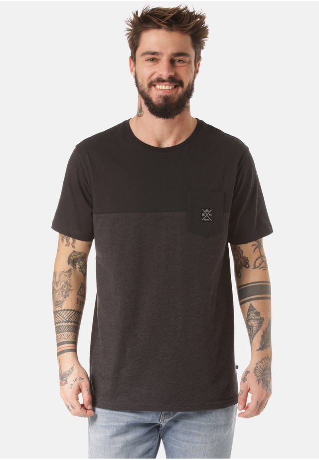 MOUNTAIN T-SHIRT MUKONO - Print T-shirt - grey