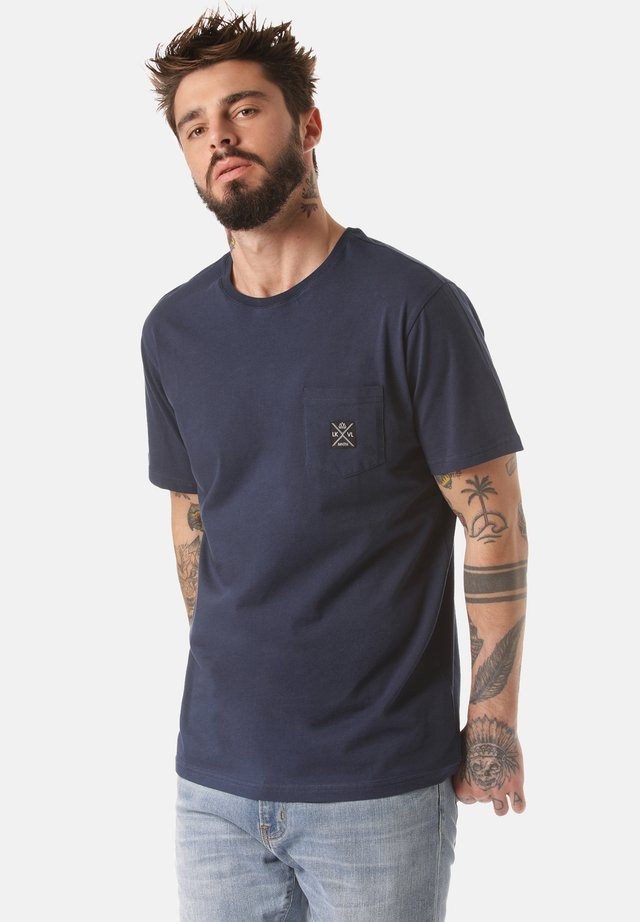 MOUNTAIN T-SHIRT MATOPO - Basic T-shirt - blue