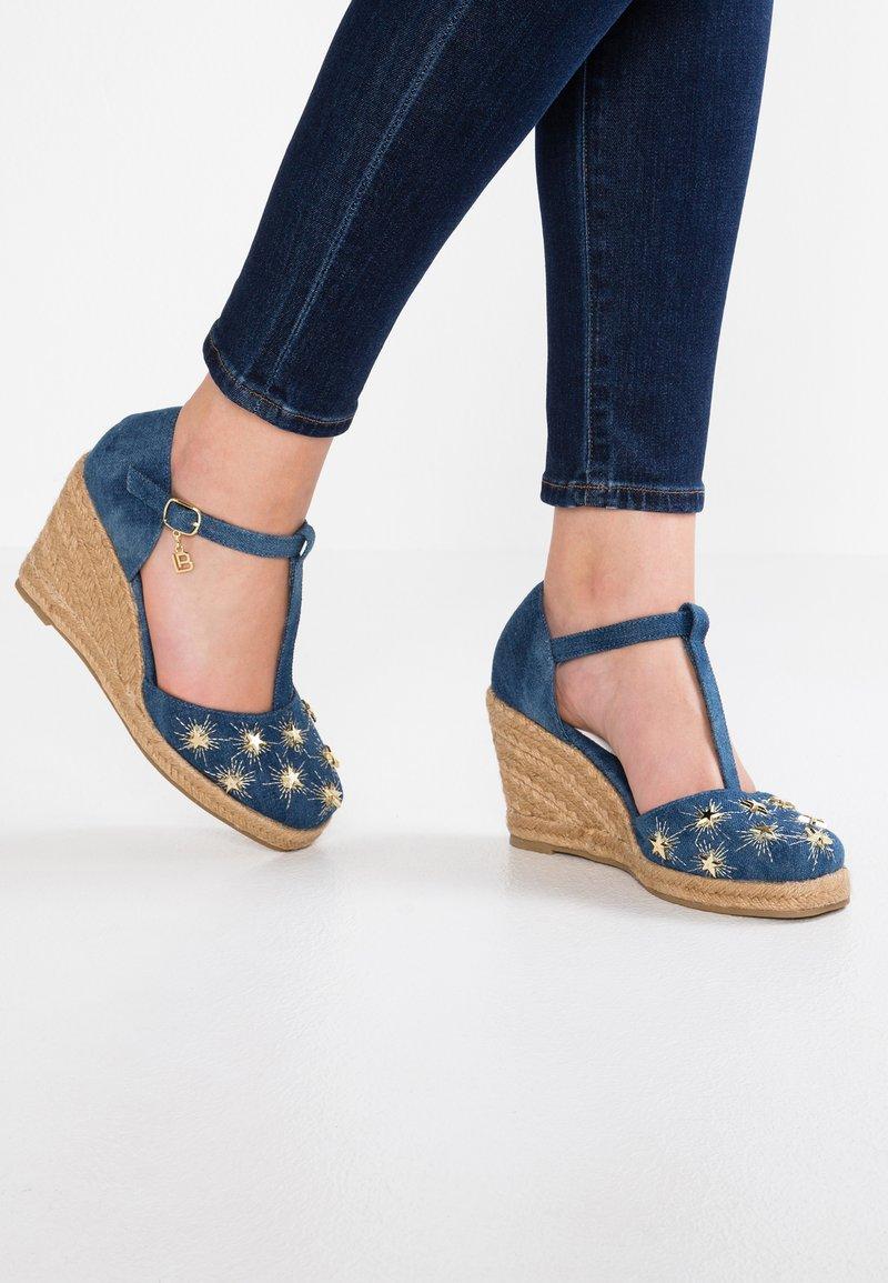 Laura Biagiotti - High heels - navy jeans