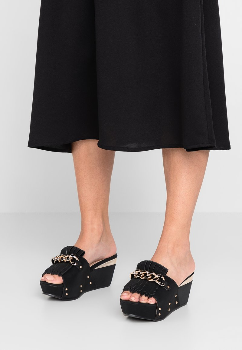 Laura Biagiotti - Pantolette hoch - black