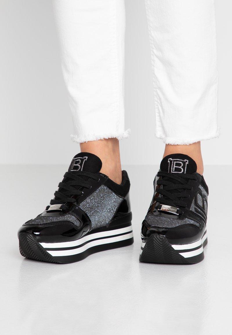 Laura Biagiotti - Sneaker low - black
