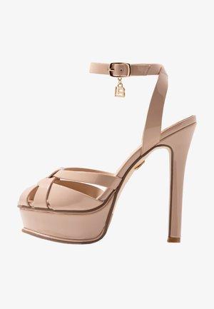 Sandales à talons hauts - skin