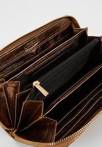 L.Credi - DULLI - Wallet - bronze - 5