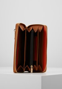 L.Credi - ELISA - Wallet - cognac - 5