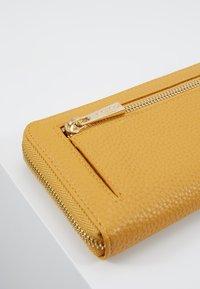 L.Credi - ELLA - Wallet - gelb - 6