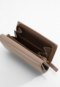 L.Credi - Wallet - taupe - 3