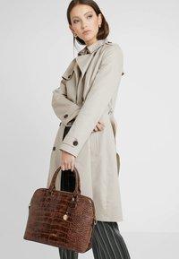 L.Credi - DESIREE - Handbag - braun - 1