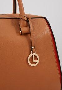 L.Credi - ELISA - Across body bag - cognac - 6