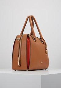 L.Credi - ELISA - Across body bag - cognac - 3
