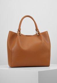 L.Credi - EMBER SET - Handbag - cognac - 2