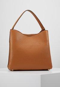 L.Credi - EDINA - Handbag - cognac - 2