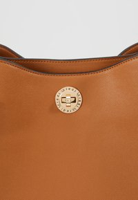 L.Credi - EDINA - Håndtasker - cognac - 7