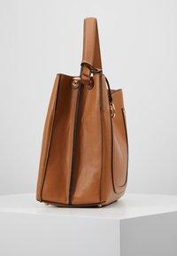 L.Credi - EDINA - Handbag - cognac - 3