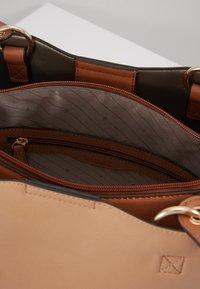 L.Credi - ELYA - Across body bag - beige - 4