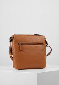 L.Credi - EDA - Across body bag - cognac - 3