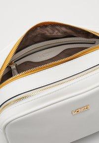 L.Credi - ELISE - Across body bag - weiss - 3