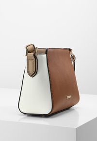 L.Credi - ELEONORA - Across body bag - cognac - 2