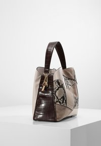 L.Credi - Handbag - brown - 2