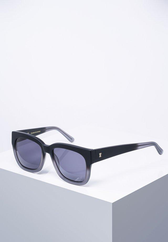 WILTON - Sunglasses - blk.gradua